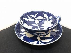 E128-N8-206 深川製磁 紅茶碗皿 草花折枝白抜紋 明宣徳年製写 カップ ソーサー 現状品⑪