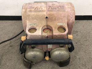 E211-S3-694 Max マックス エアーコンプレッサー AK-7000E 通電確認済み ジャンク品 部品