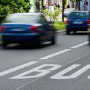 Automobili sa najmanje troje ljudi, u Nemačkoj bi mogli da koriste i traku za javni prevoz