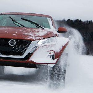 Снегот е само зимски украс за оваа лимузина на Nissan