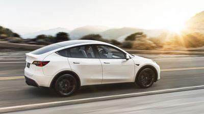 Tesla имаше рекорден квартал и најавува нови вработувања
