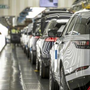 Кризата во Land Rover се пренесе и во DHL
