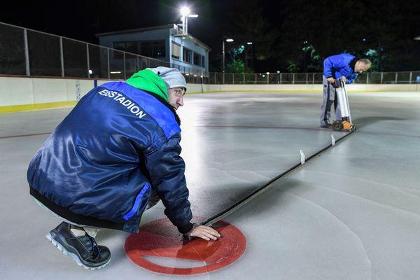 Eisstadion Neukölln: Endlich wieder Schlittschuhlaufen