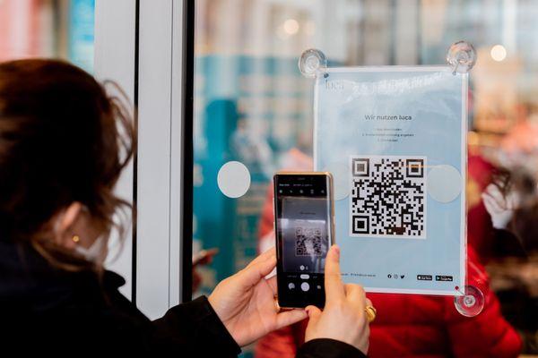 Steuerverschwendung und Mängel: Experten fordern sofortigen Stopp der Luca-App