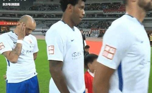 【海外の反応】「中国、怖い」中国国歌中の侮辱で元ブラジル代表FWが出場停止に!海外のファンも驚愕!の代表サムネイル
