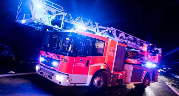 20 Menschen evakuiert: Feuerwehr verhindert bei Brand in Gondelsheim Schlimmeres