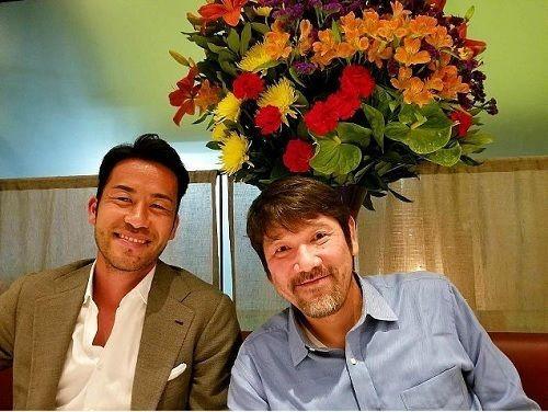 吉田麻也、あの元プロ野球選手「親戚のお兄さん」に食事をおごって貰う「イギリスまで来てご飯奢ってくれた」の代表サムネイル