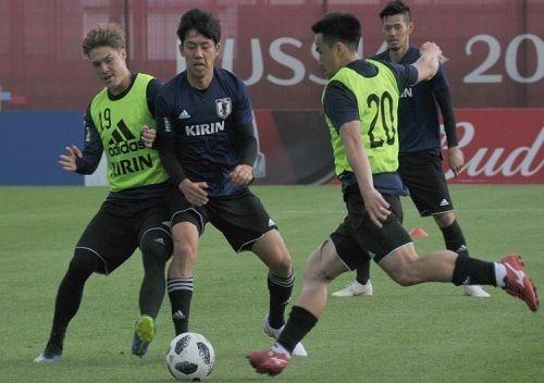 日本代表、練習再開!控え組活気「次は俺たちが」の代表サムネイル