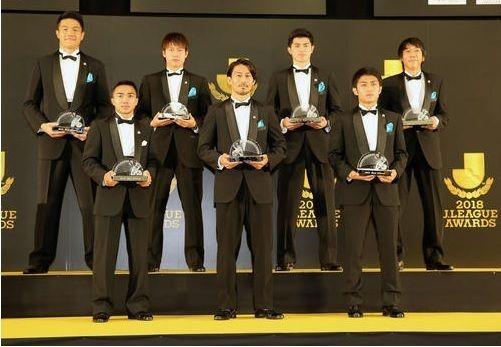 Jリーグアウォーズ、ベスト11など各賞を発表!川崎MF家長昭博がMVPに選出の代表サムネイル