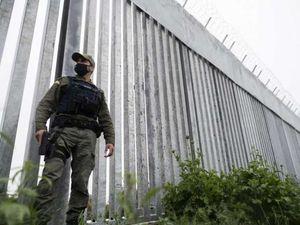 la grecia ha eretto una barriera anti-profughi di 40 chilometri lungo il confine con la turchia