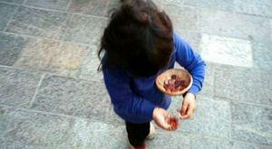 a roma, un bambino rom di 11 anni si e' presentato a una caserma dei carabinieri per denunciare la..