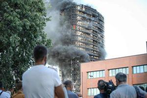 con 'l'effetto camino voluto' stavano bruciando le chiappe ai milanesi - il grattacielo...