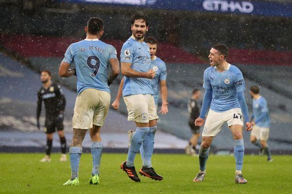 Premier, Manchester City-Aston Villa 2-0: Guardiola aggancia il Leicester in vetta