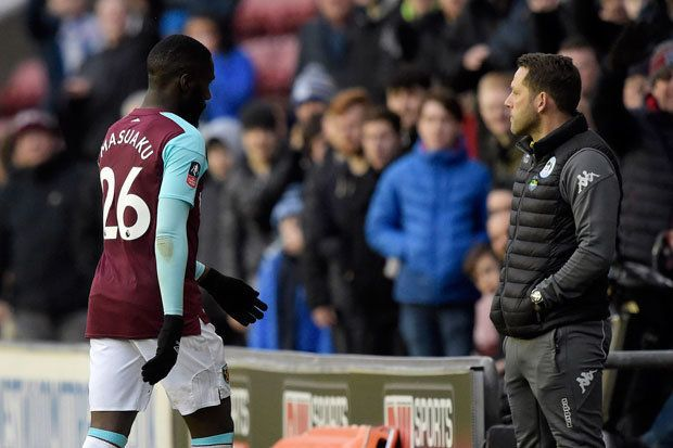 https://cdn.images.dailystar.co.uk/dynamic/58/photos/151000/620x/West-Ham-star-Arthur-Masuaku-677647.jpg
