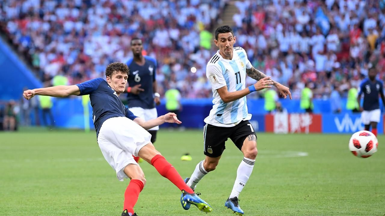 World Cup Wrap: Benjamin Pavard nets miraculous stunner as France, Uruguay knock out Messi, Ronaldoの代表サムネイル