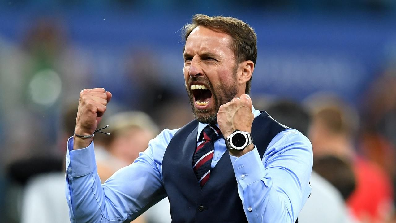 Gareth Southgate becomes England's first injury casualty with dislocated shoulderの代表サムネイル