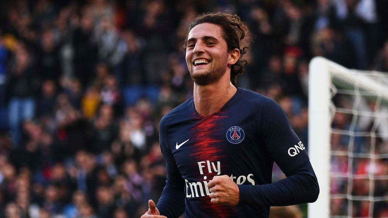 Juventus line up Adrien Rabiot in case Aaron Ramsey deal falls through, Alexis Sanchez wants to quit Manchester Unitedの代表サムネイル