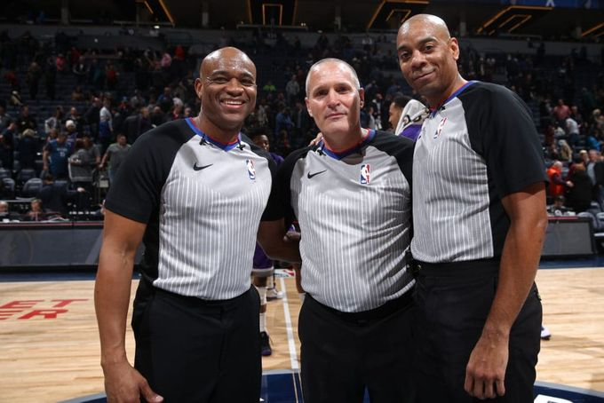 研究報告:矮小的NBA裁判會吹罰更多的犯規