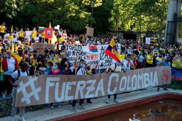 Brucia la Colombia, a rischio la Copa América: il fútbol si mobilita