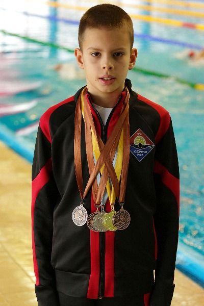 """Плувец на """"Локо"""" с пет медала и два национални рекорда в Ниш"""