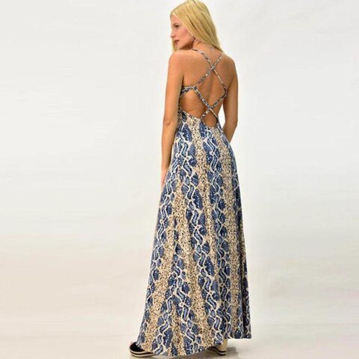 Φόρεμα εξώπλατο με χιαστί στη πλάτη