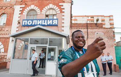 В Волгограде журналисту из Нигерии вернули потерянную сумку с вещами и деньгами