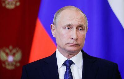 Путин переназначил глав большинства управлений Кремля