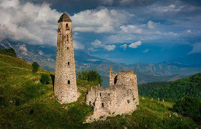 Боевые башни, пугливые медведи и фотоблогер в ингушских горах