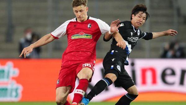 Bielefeld (dpa) - Arminia Bielefeld hat die Konkurrenz im Abstiegskampf dank ein [...]