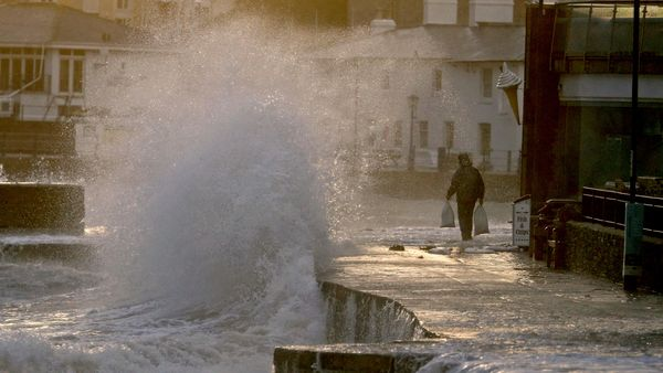 Ein Sturm wütet in Europa - Deutschland am Rande betroffen