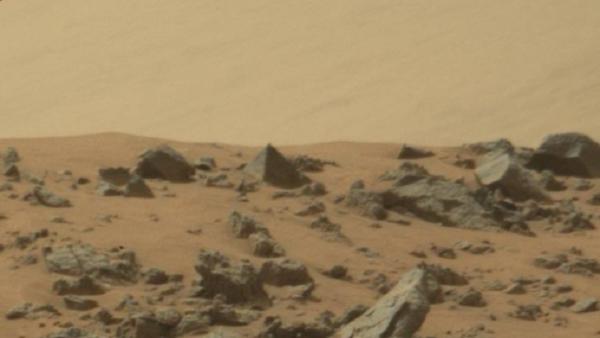 [Image: pyramid-mars.png]