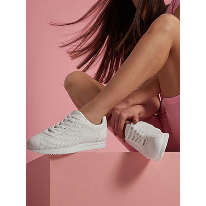 Αθλητικά παπούτσια με διάτρητες λεπτομέρειες SH9996.A052+1