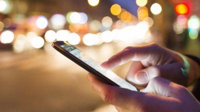 Gledate filmove za odrasle na telefonu? U mnogo ste većoj opasnosti nego da ih gledate na kompjuteru