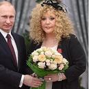 Владимир Путин връчи Орден за заслуги към Отечеството на Алла Пугачова послучай 70-я й юбилей
