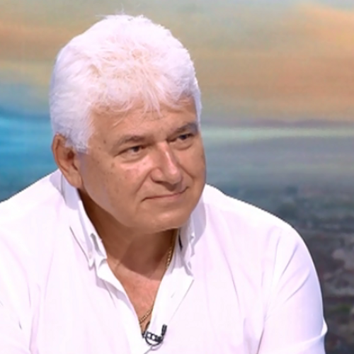Проф. Киров: Недопустимо е Кирил Петков да дава съвети на КС как да реши дело, по което той е страна