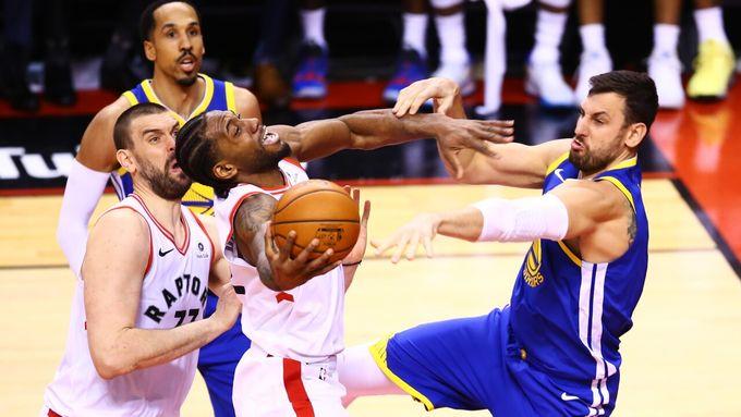 [NBA總決賽] GAME2簡評 - 第3節開局成全場關鍵, 特別嘉賓獲全場致敬