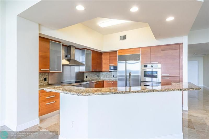 Orchid Beach for Sale - 701 SE 21st Ave, Unit 507, Deerfield Beach 33441, photo 5 of 28