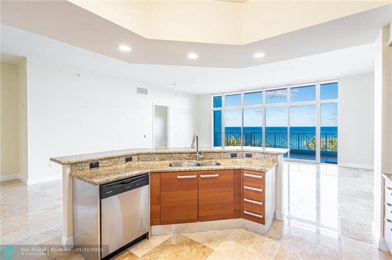 Orchid Beach for Sale - 701 SE 21st Ave, Unit 507, Deerfield Beach 33441, photo 6 of 28