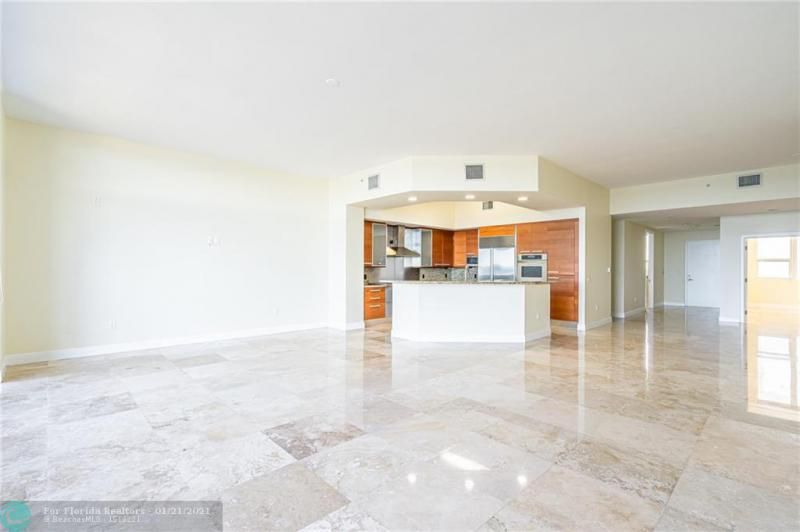 Orchid Beach for Sale - 701 SE 21st Ave, Unit 507, Deerfield Beach 33441, photo 7 of 28