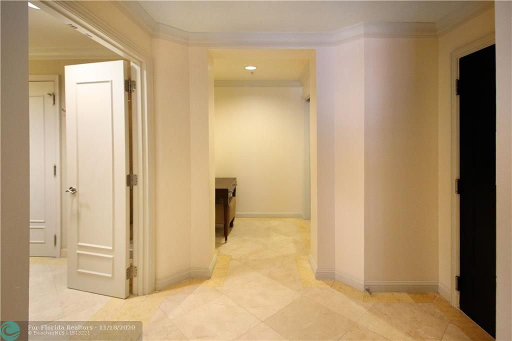 Atlantic Hotel Condominium for Sale - 601 N Fort Lauderdale Beach Blvd, Unit 914, Fort Lauderdale 33304, photo 7 of 15