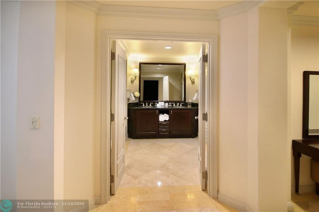 Atlantic Hotel Condominium for Sale - 601 N Fort Lauderdale Beach Blvd, Unit 914, Fort Lauderdale 33304, photo 8 of 15