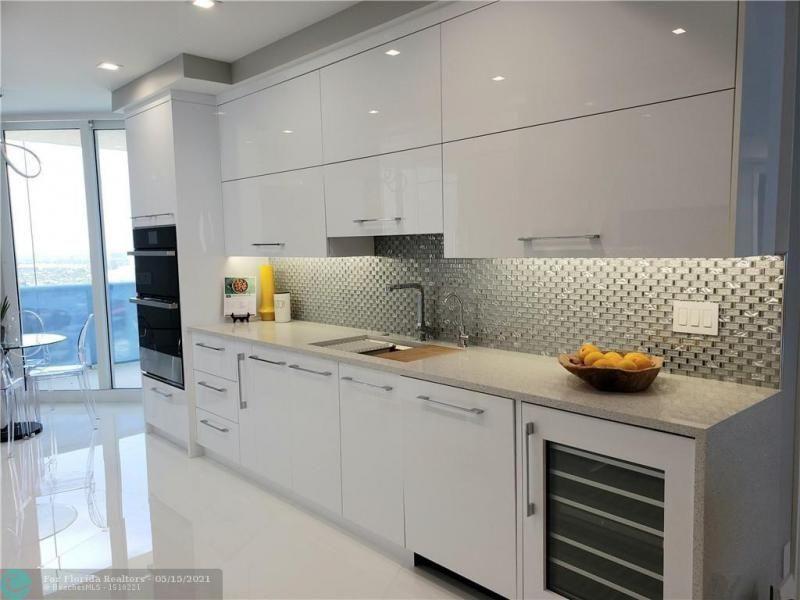 L'Hermitage for Sale - 3200 N OCEAN BL, Unit E2304, Fort Lauderdale 33308, photo 8 of 25