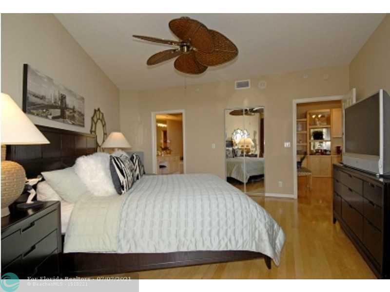 L'Hermitage for Sale - 3200 N Ocean Blvd, Unit 1106, Fort Lauderdale 33308, photo 5 of 9