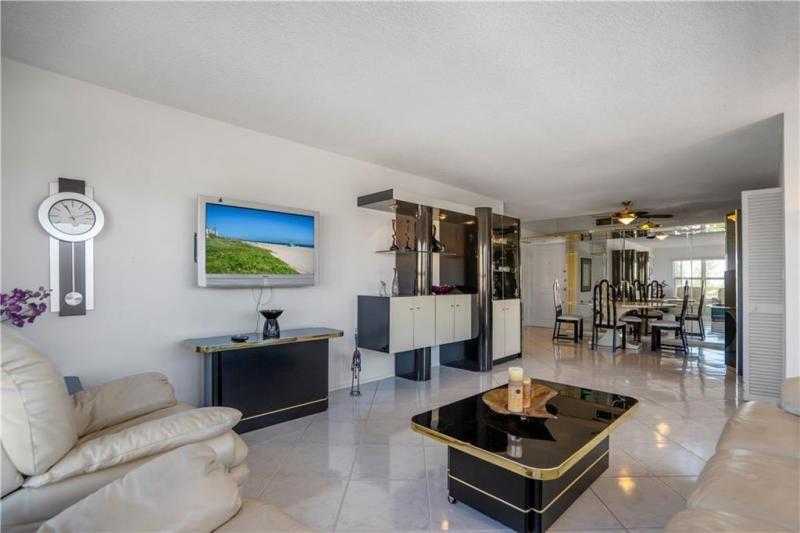 Parliament House for Sale - 405 N Ocean Blvd, Unit 529, Pompano Beach 33062, photo 12 of 29