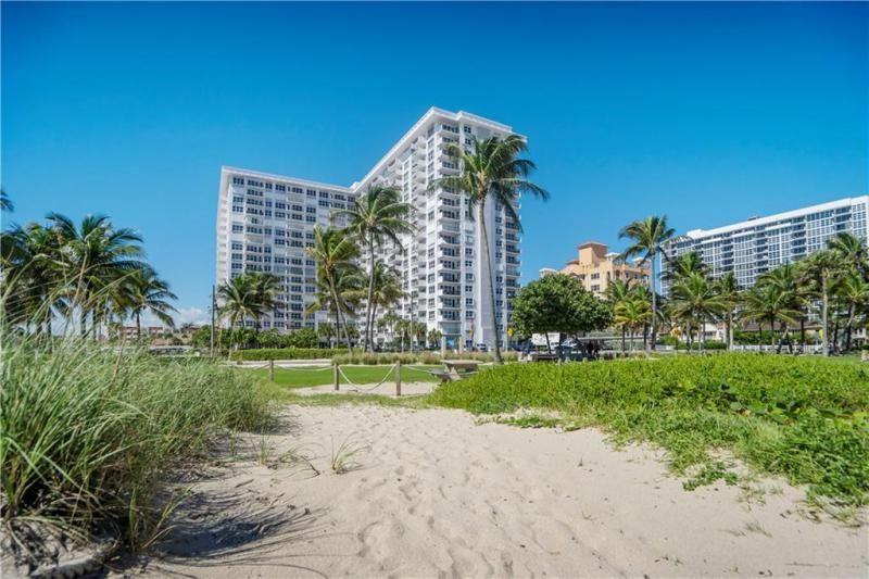 Parliament House for Sale - 405 N Ocean Blvd, Unit 529, Pompano Beach 33062, photo 2 of 29
