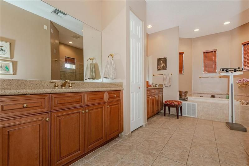 Heron Bay for Sale - 7193 NW 123rd Avenue, Parkland 33076, photo 18 of 47