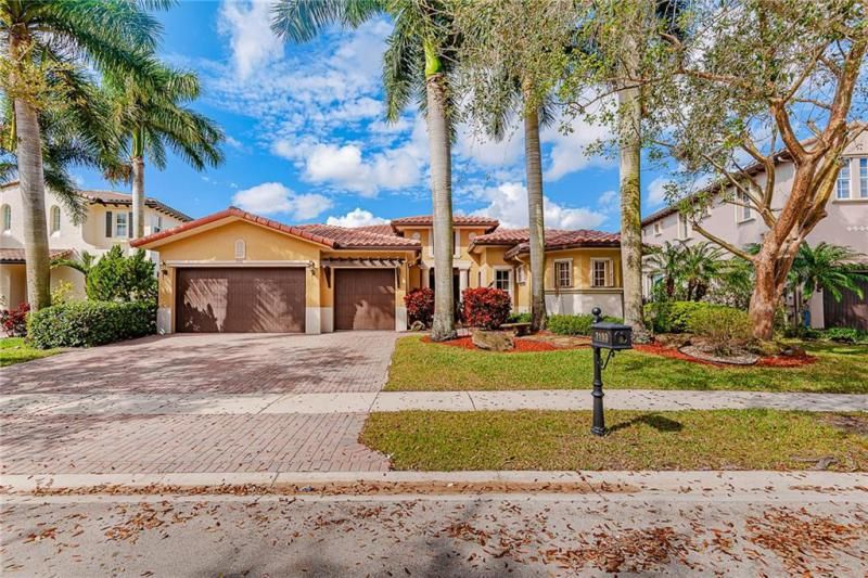 Heron Bay for Sale - 7193 NW 123rd Avenue, Parkland 33076, photo 2 of 47