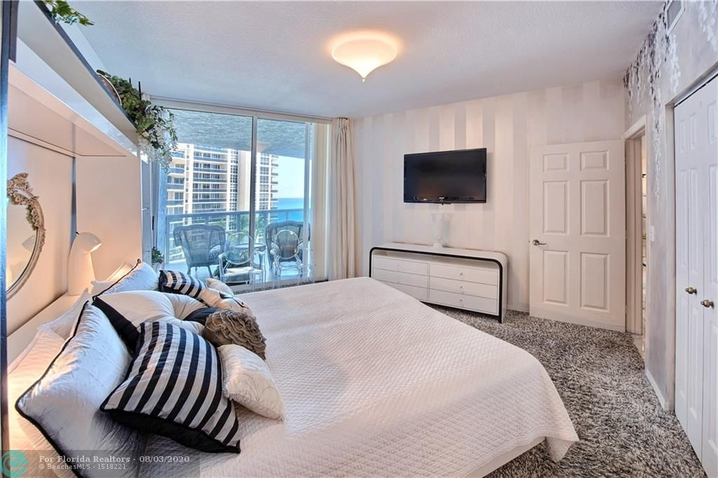 L'Hermitage for Sale - 3100 N Ocean Blvd, Unit 905, Fort Lauderdale 33308, photo 15 of 36