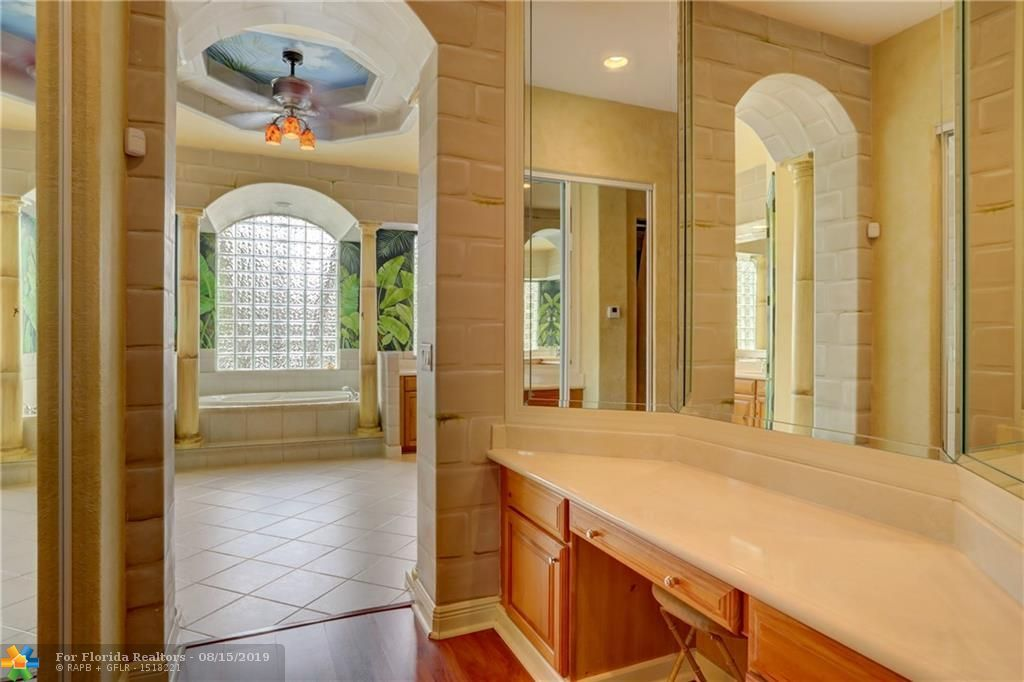 Long Lake Estates for Sale - 2801 W Lake Vista Cir, Davie 33328, photo 41 of 100