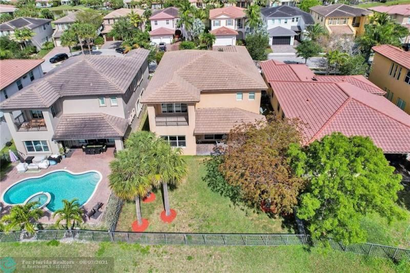 Heron Bay for Sale - 8229 NW 125th Ln, Parkland 33076, photo 6 of 60